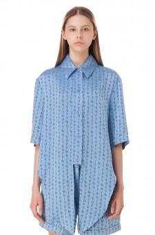 Блуза в логотипах