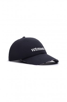 VETEMENTS Кепка c логотипом
